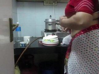 в–¶ Leena Bhabhi Hot Navel Housewife 1