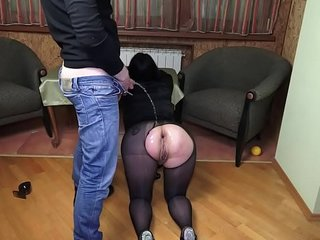 Bella likes to drink urine and anal dildo fuck !!! Super Hot Video !!!