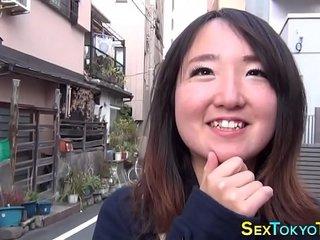 Japanese babes flashing